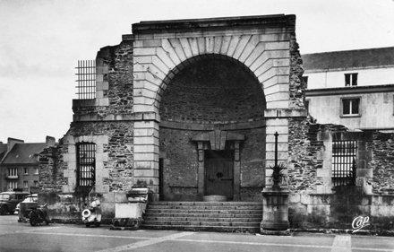 1741 -  Saint-Lo - La Porte de Prison
