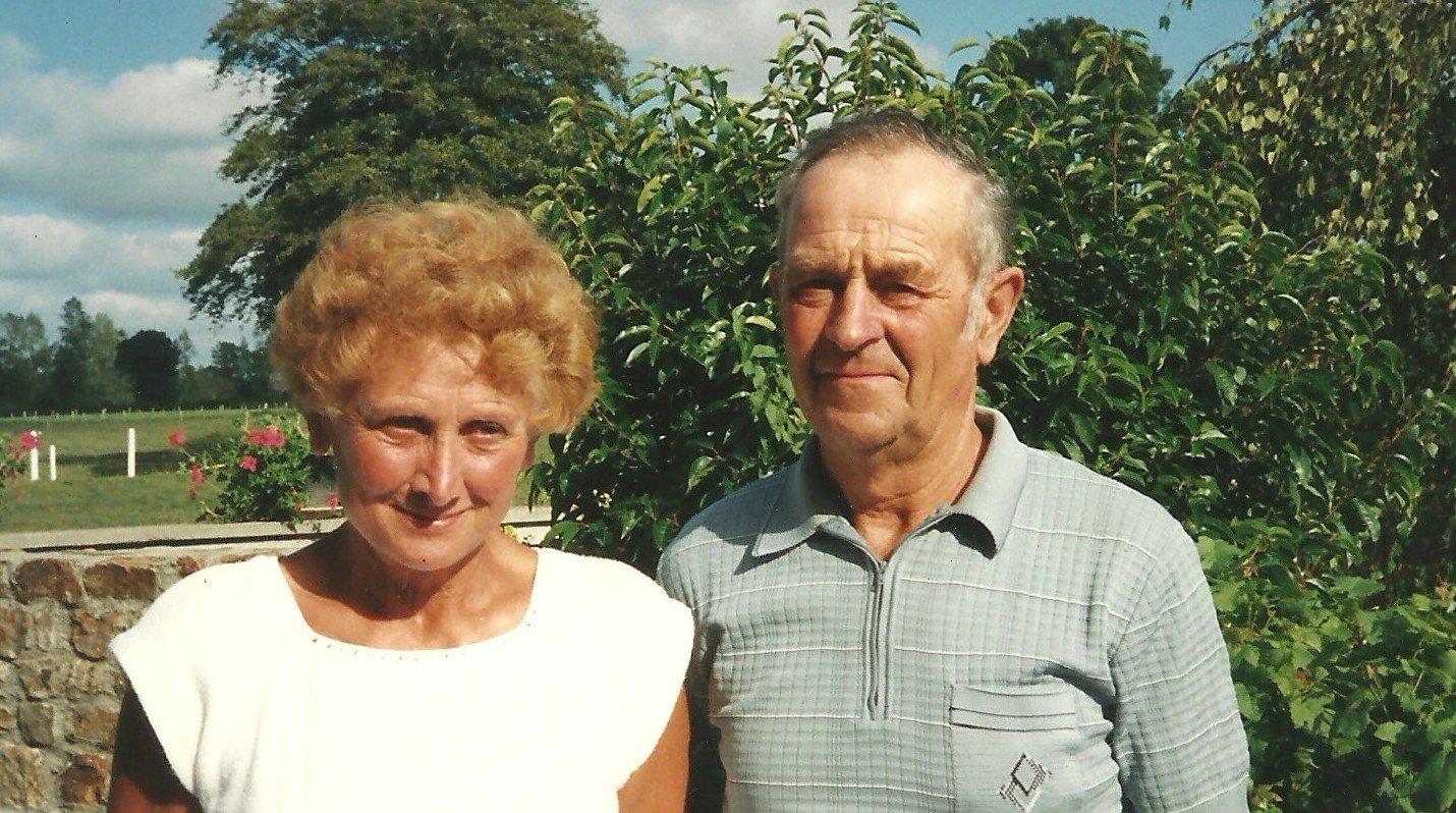 Papa et maman en 1991. Ils avaient mon âge aujourd'hui et je les croyais éternels. On est si peu de chose !!!