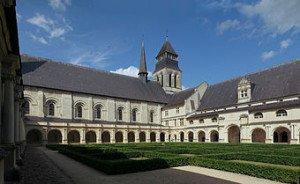 A-t-elle fréquenté le cloître de l'abbaye de Fontevraud, en Anjou, en pleine reconstruction au XVIe siècle ? Photo Wikipédia