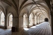 La pauvrette a-t-elle hanté ces longs couloirs angevins de silence et de froid ? Wikipédia