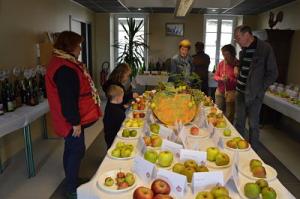 Pas moins de 130 variétés de pommes sur les présentoirs ! Une petite folie qui en a impressionné plus d'un !
